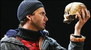 "David Tennant in ""Hamlet"""